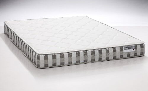 DreamFoam Bedding Ultimate Dreams Twin Crazy Quilt with 7-Inch TriZone Mattress, great mattress under $300